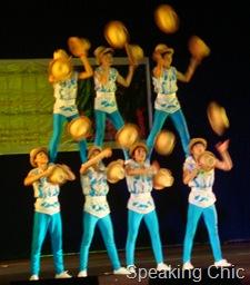 straw hats juggling