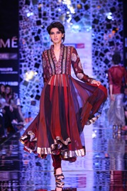 Manish Malhotra LFW red churidar kurta