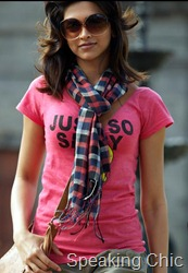 Deepika Padukone in tshirt in Break ke Baad