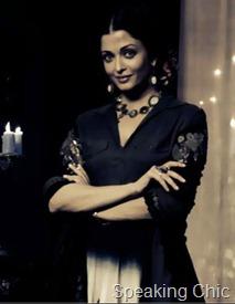 Guzaarish_Aishwarya Rai Bachchan necklace