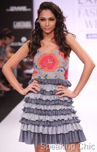 Purvi Doshi at LFW S/R 2011