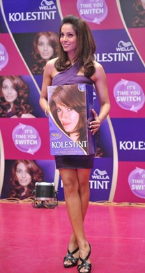 Bipasha Basu hair Wella Kolestint event