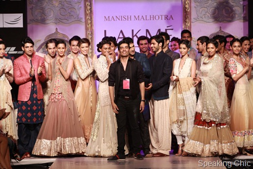 Manish Malhotra with models at LFW S/R 2011
