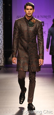 Model at Shantanu-Nikhil at VHIMW 2011