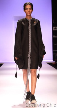 Model at Kallol Dutta LFW W/F 2011