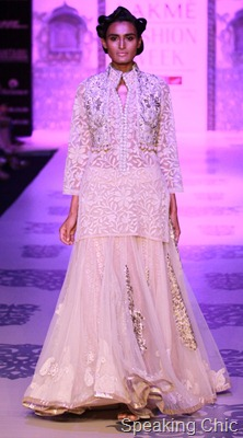 Model at Manish Malhotra LFW S/R 2011