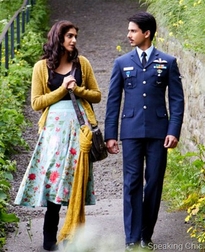 Sonam Kapoor and Shahid Kapoor in Mausam