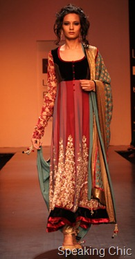 Model for Shyamal & Bhumika at LFW W/F 2011