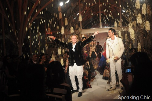 Rohit Bal with Arjun Rampal at LFW W/F 2011