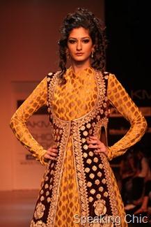 Shyamal & Bhumika brocade- LFW W/F 2011